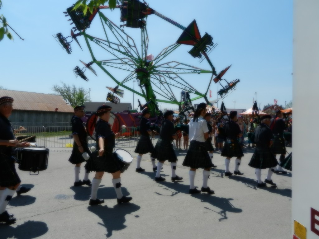 116th Annual Bread and Cheese Day, Festivities with band and carnival rides